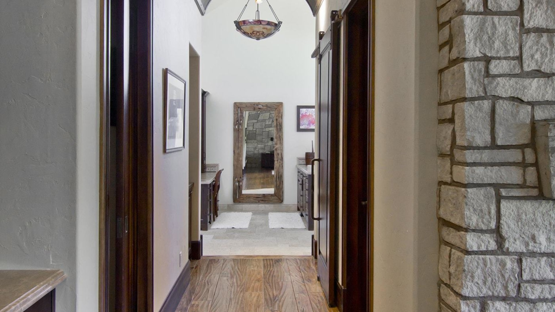 mansion hallway toward some bedrooms